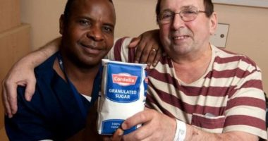 Pouring granulated sugar on wounds 'can heal them faster than antibiotics'